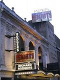 Scarlett Johansson, Katie Holmes, Al Pacino, Matthew Broderick, Paul Hanks riscoprono l'amore per il teatro.