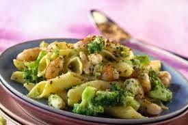 Garganelli ai broccoli, gamberi e pomodori secchi