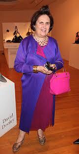 All'asta il guardaroba di Suzy Menkes, temutissima giornalista di moda dell'Herald Tribune