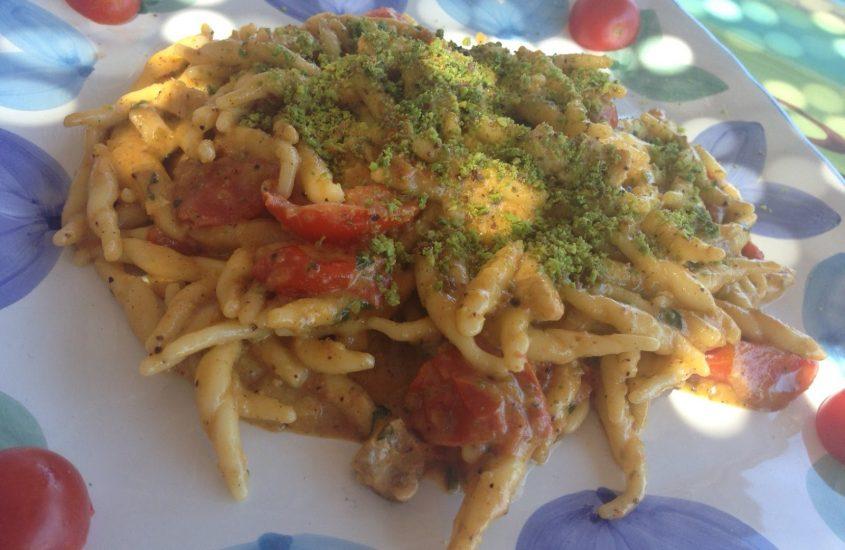Pasta con pesce spada e pistacchi