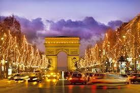 La Francia inaugura il Natale con Gwyneth Paltrow, Laetitia Casta, Lea Seydoux