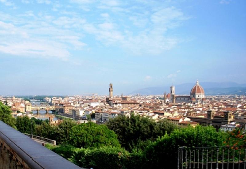 Mercato con Vista. Il piacere del gusto In Piazza a Firenze